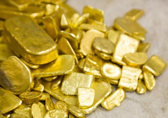 MW-CM787_gold_r_MG_20140710121610